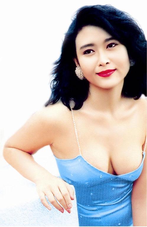 Veronica Yip Nude Photos 24